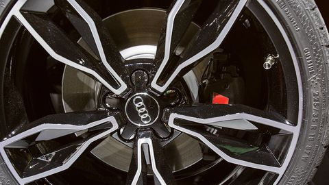 Alloy wheel, Automotive design, Spoke, Rim, Automotive wheel system, White, Style, Hubcap, Black, Carbon,