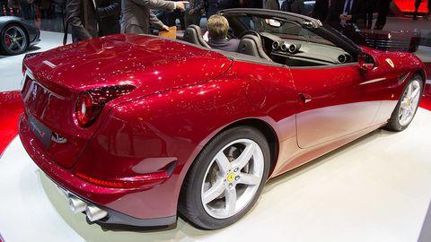 Tire, Wheel, Automotive design, Vehicle, Event, Car, Performance car, Automotive lighting, Personal luxury car, Auto show,