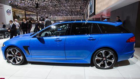 Tire, Wheel, Vehicle, Automotive design, Alloy wheel, Rim, Spoke, Car, Fender, Full-size car,