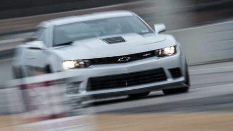 Automotive design, Vehicle, Land vehicle, Headlamp, Hood, Grille, Automotive exterior, Car, Automotive lighting, Chevrolet camaro,