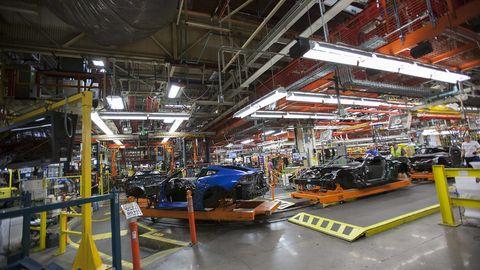 Workshop, Machine, Industry, Engineering, Automobile repair shop, Factory, Beam, Service, Steel, Kit car,