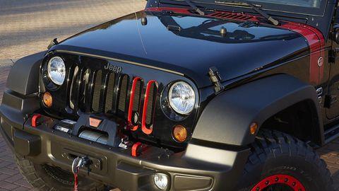 Motor vehicle, Automotive design, Mode of transport, Vehicle, Automotive exterior, Automotive lighting, Hood, Headlamp, Automotive tire, Grille,