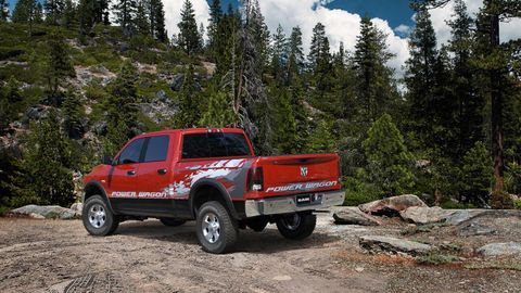 Tire, Wheel, Vehicle, Pickup truck, Automotive exterior, Automotive tire, Fender, Rim, Off-road vehicle, Tread,