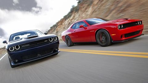 Motor vehicle, Tire, Automotive design, Automotive tire, Vehicle, Land vehicle, Hood, Automotive exterior, Car, Rim,