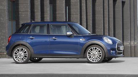 Tire, Wheel, Automotive design, Blue, Vehicle, Automotive exterior, Vehicle door, Car, Rim, Glass,