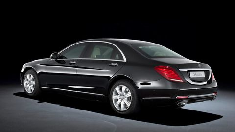 Tire, Wheel, Mode of transport, Automotive design, Vehicle, Car, Alloy wheel, Spoke, Rim, Vehicle door,