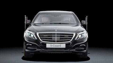 Mode of transport, Automotive design, Product, Vehicle, Automotive lighting, Land vehicle, Headlamp, Grille, Transport, Automotive exterior,