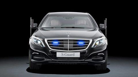 Mode of transport, Automotive design, Product, Vehicle, Automotive lighting, Automotive exterior, Glass, Headlamp, Grille, Land vehicle,
