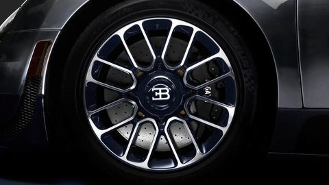 Wheel, Alloy wheel, Automotive design, Automotive tire, Automotive wheel system, Spoke, Rim, Automotive exterior, Auto part, Tread,