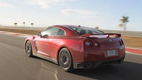 Tire, Wheel, Automotive design, Road, Mode of transport, Vehicle, Alloy wheel, Rim, Infrastructure, Car,