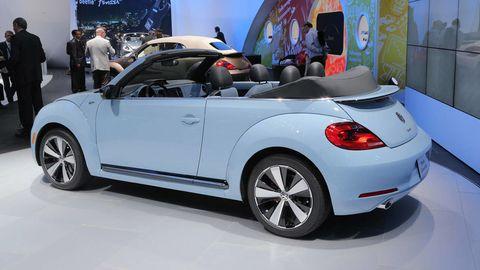 Automotive design, Vehicle, Car, Automotive exterior, Fender, Vehicle door, Alloy wheel, Convertible, Automotive wheel system, Exhibition,