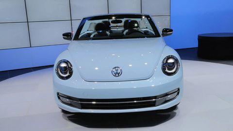 Motor vehicle, Automotive design, Vehicle, Land vehicle, Automotive exterior, Car, Headlamp, Automotive lighting, Hood, Bumper,