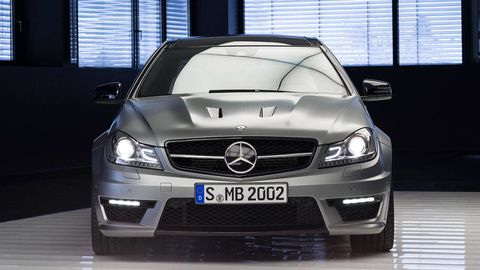 Automotive design, Mode of transport, Vehicle, Grille, Automotive exterior, Hood, Automotive mirror, Glass, Mercedes-benz, Car,
