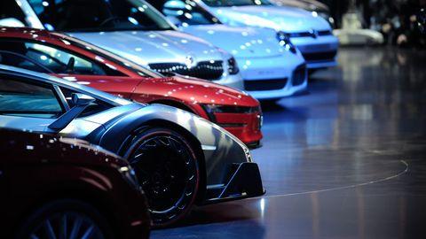 Tire, Automotive design, Vehicle, Automotive tire, Car, Automotive lighting, Alloy wheel, Rim, Fender, Automotive wheel system,
