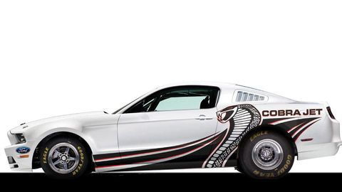 Motor vehicle, Tire, Wheel, Automotive design, Automotive tire, Vehicle, Automotive exterior, Transport, Automotive wheel system, Rim,
