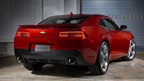 Tire, Wheel, Automotive design, Vehicle, Vehicle registration plate, Automotive tail & brake light, Land vehicle, Automotive exterior, Car, Automotive lighting,