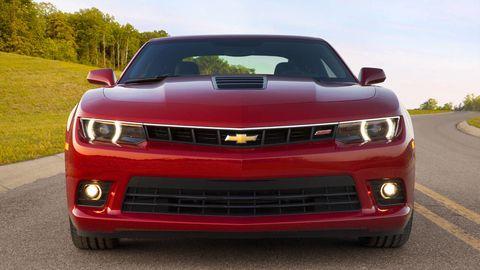 Motor vehicle, Automotive design, Daytime, Hood, Vehicle, Headlamp, Automotive lighting, Grille, Transport, Red,