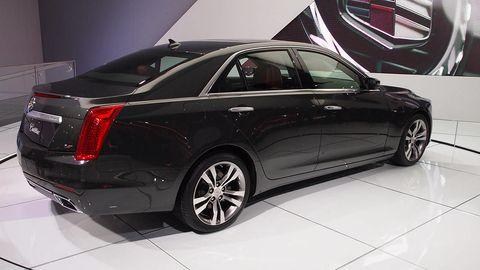 Tire, Wheel, Automotive design, Product, Vehicle, Land vehicle, Car, Alloy wheel, Rim, Automotive tire,