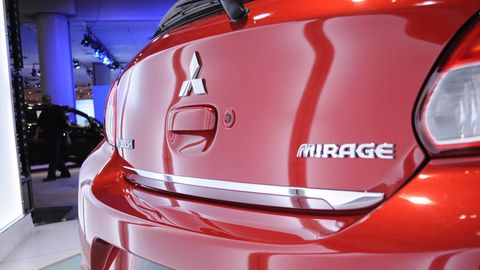 Automotive design, Automotive exterior, Red, Automotive lighting, Automotive tail & brake light, Carmine, Concept car, City car, Bumper, Auto show,