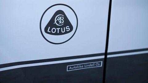 Text, Automotive decal, Logo, Symbol, Parallel, Trademark, Circle, Sign, Graphics, Brand,