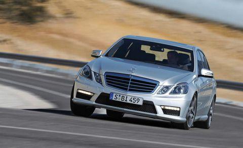 Mode of transport, Automotive design, Road, Vehicle, Hood, Grille, Transport, Mercedes-benz, Car, Automotive tire,