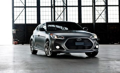 Tire, Wheel, Motor vehicle, Automotive design, Vehicle, Headlamp, Automotive lighting, Grille, Rim, Car,