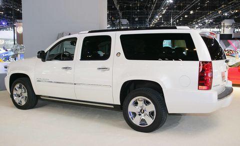 Tire, Wheel, Motor vehicle, Automotive tire, Mode of transport, Automotive exterior, Automotive mirror, Automotive design, Vehicle, Window,