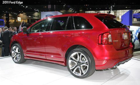 Tire, Wheel, Automotive design, Vehicle, Land vehicle, Car, Alloy wheel, Rim, Fender, Automotive tail & brake light,