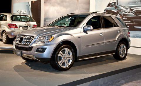 Tire, Wheel, Motor vehicle, Automotive design, Vehicle, Automotive tire, Land vehicle, Car, Rim, Alloy wheel,