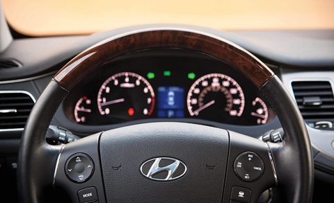 Mode of transport, Automotive design, Transport, Steering wheel, White, Speedometer, Car, Gauge, Technology, Tachometer,