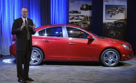 Tire, Wheel, Automotive design, Vehicle, Land vehicle, Car, Alloy wheel, Full-size car, Suit, Mid-size car,