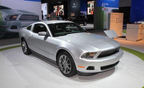 Tire, Motor vehicle, Wheel, Automotive design, Automotive tire, Vehicle, Headlamp, Hood, Automotive lighting, Grille,
