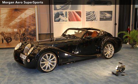 Tire, Wheel, Motor vehicle, Mode of transport, Automotive design, Vehicle, Land vehicle, Rim, Automotive tire, Car,