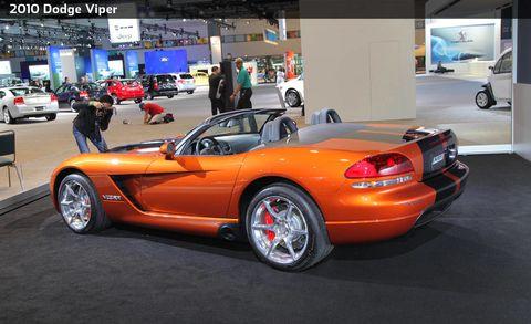 Tire, Wheel, Motor vehicle, Mode of transport, Automotive design, Land vehicle, Vehicle, Car, Automotive parking light, Automotive wheel system,