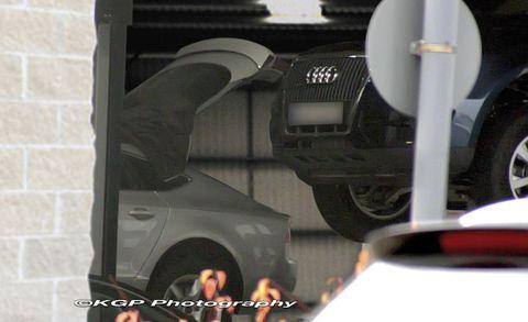 Motor vehicle, Mode of transport, Automotive design, Automotive tire, Transport, Automotive exterior, Fender, Automotive wheel system, Automotive lighting, Synthetic rubber,