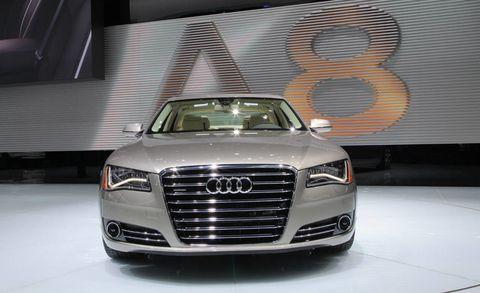 Automotive design, Vehicle, Grille, Automotive exterior, Headlamp, Car, Automotive lighting, Audi, Automotive parking light, Personal luxury car,
