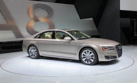 Tire, Wheel, Automotive design, Vehicle, Alloy wheel, Rim, Spoke, Car, Personal luxury car, Automotive lighting,