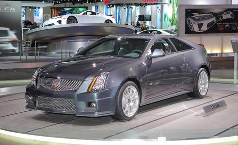 Tire, Motor vehicle, Wheel, Mode of transport, Automotive design, Vehicle, Land vehicle, Event, Car, Automotive tire,