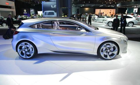 Wheel, Tire, Automotive design, Land vehicle, Vehicle, Car, Auto show, Automotive tire, Automotive wheel system, Alloy wheel,