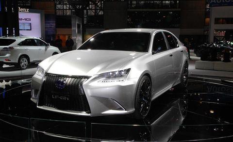 Automotive design, Land vehicle, Vehicle, Event, Car, Personal luxury car, Auto show, Luxury vehicle, Automotive lighting, Grille,