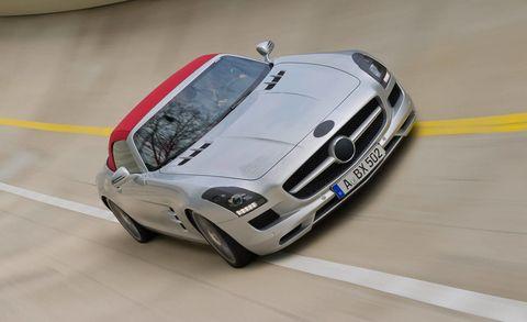 Tire, Wheel, Automotive design, Vehicle, Automotive exterior, Hood, Grille, Headlamp, Car, Performance car,