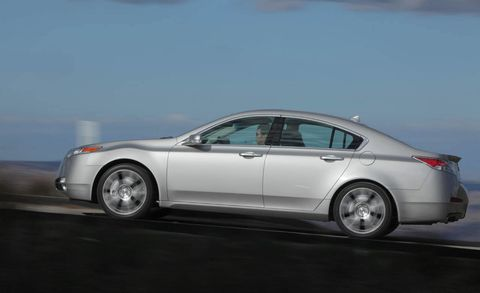 Tire, Wheel, Mode of transport, Vehicle, Automotive design, Alloy wheel, Transport, Land vehicle, Rim, Car,