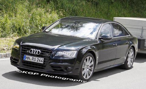 Tire, Automotive design, Vehicle, Vehicle registration plate, Car, Grille, Personal luxury car, Audi, Rim, Luxury vehicle,