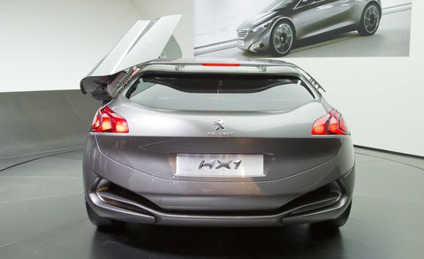 Mode of transport, Automotive design, Vehicle, Land vehicle, Car, Personal luxury car, Luxury vehicle, Automotive exterior, Floor, Alloy wheel,