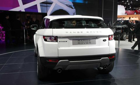 Automotive design, Vehicle, Automotive exterior, Vehicle registration plate, Automotive lighting, Car, Fender, Bumper, Personal luxury car, Automotive tail & brake light,