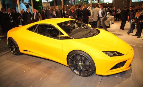 Tire, Wheel, Automotive design, Mode of transport, Vehicle, Yellow, Event, Land vehicle, Transport, Car,