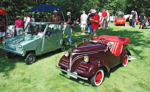 Motor vehicle, Tire, Wheel, Automotive design, Vehicle, Land vehicle, Classic car, Automotive tire, Classic, Antique car,