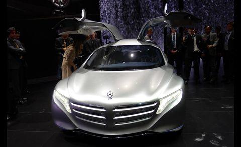 Mode of transport, Automotive design, Vehicle, Land vehicle, Event, Grille, Car, Personal luxury car, Concept car, Auto show,