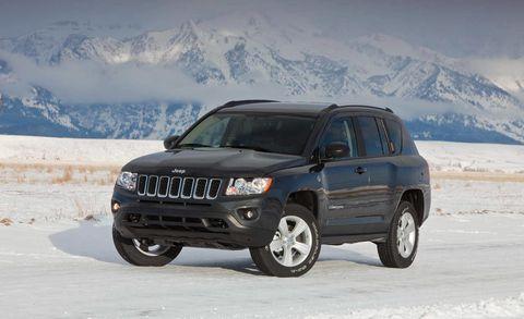Tire, Wheel, Automotive tire, Automotive mirror, Winter, Automotive exterior, Vehicle, Automotive lighting, Land vehicle, Mountain range,