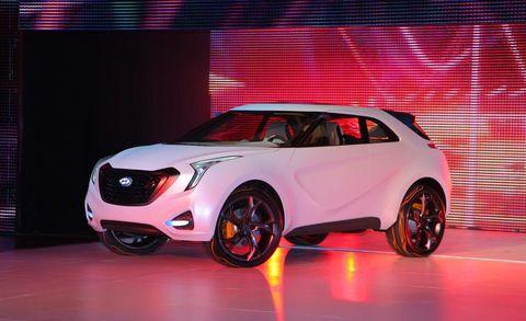 Wheel, Tire, Automotive design, Vehicle, Automotive exterior, Automotive lighting, Car, Vehicle door, Glass, Fender,